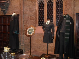Harry-Potter-Studio-Tour-London-Costumes-Great-Hall-costumes-Slytherin