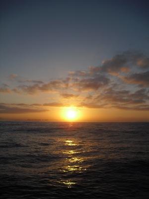 pacific ocean sunrise image