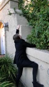 bbc-sherlock-femlock-cosplay-brookenado-just-kidding-gonna-climb-down image