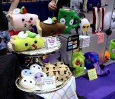 Wondercon 2014 House of Darkly food plushies