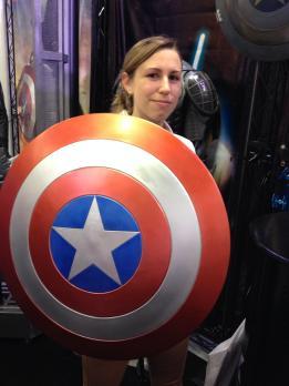 SDCC comic-con 2014 Captain America shield replica