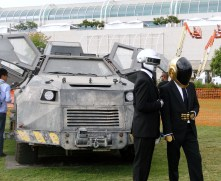 SDCC comic-con 2014 Daft Punk cosplay & Into the Storm vehicle prop