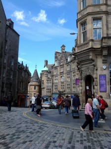 edinburgh-scotland-cockburn-street