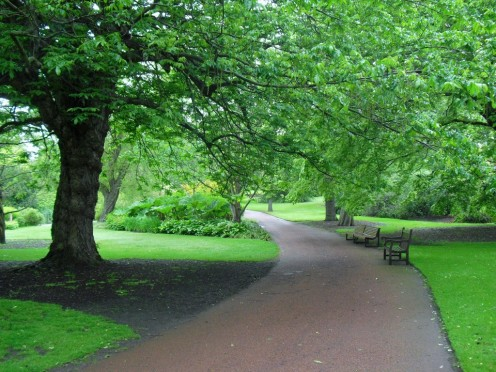 edinburgh-scotland-royal-botanic-garden entrance path